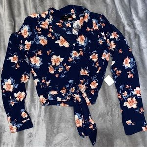 New floral long sleeve top, waist tie size small